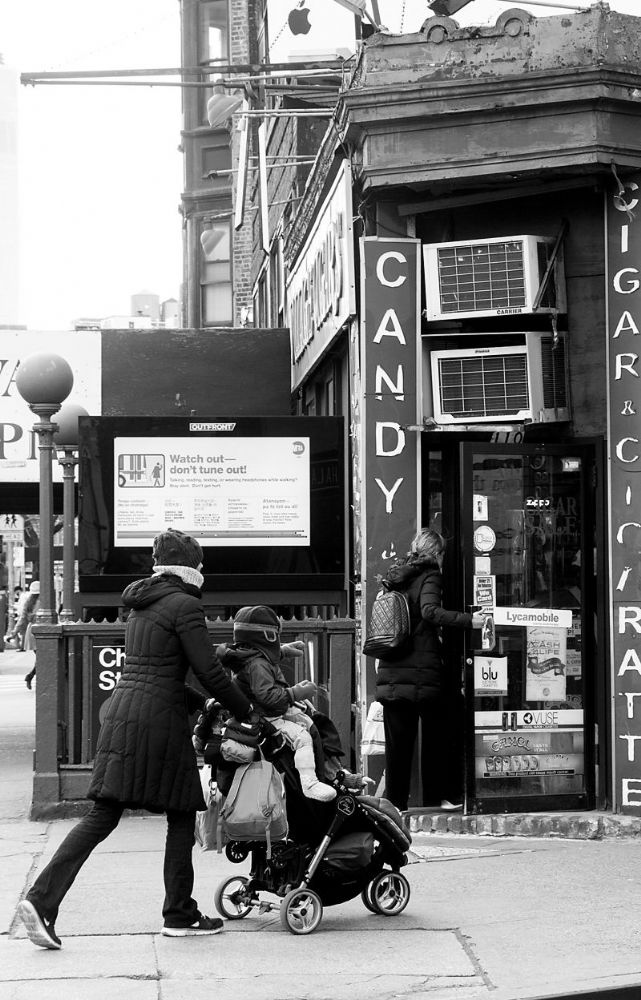 New York City.  Kid Wants Candy